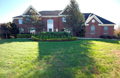 Marlboro Single Family Home For Sale: 4 Jewel Court