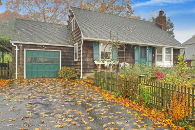 Point Pleasant Single Family Home For Sale: 811 Bradley Road