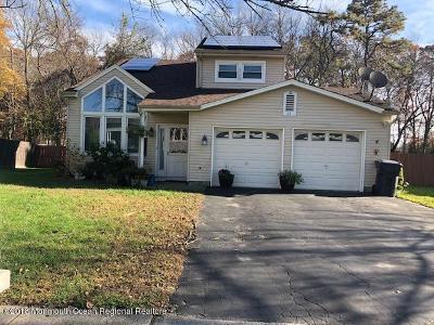 Howell Single Family Home For Sale: 11 Cripple Creek Road