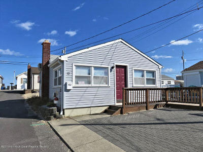 Lavallette Single Family Home Under Contract: 13 E Bayberry Way