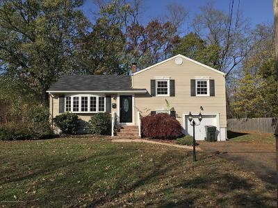 Middletown Single Family Home For Sale: 14 Henry Drive