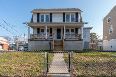 Monmouth County Single Family Home For Sale: 208 Carr Avenue