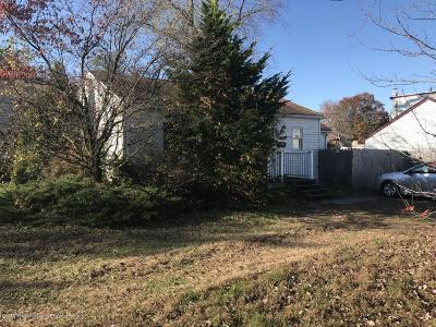 Hazlet Single Family Home For Sale: 20 Bayview Avenue