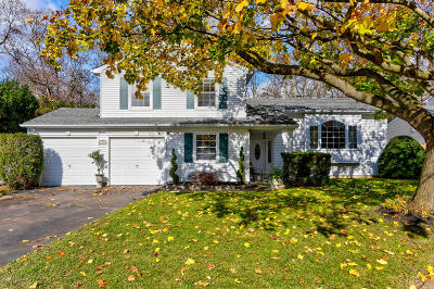 Howell Single Family Home For Sale: 5 Cobblestone Court
