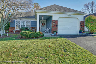 Leisure Knoll Adult Community Under Contract: 103 Buckingham Drive