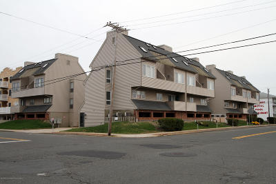 Seaside Heights Condo/Townhouse For Sale: 129 Hiering Avenue #C15