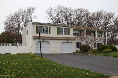 Middletown Single Family Home Under Contract: 10 Sieben Drive