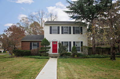 Lakewood Single Family Home Under Contract: 1453 Cedar Row