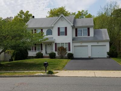 Single Family Home For Sale: 9 Periwinkle Drive