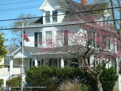 Freehold Single Family Home For Sale: 32 Broadway