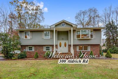 Howell Single Family Home For Sale: 300 Aldrich Road