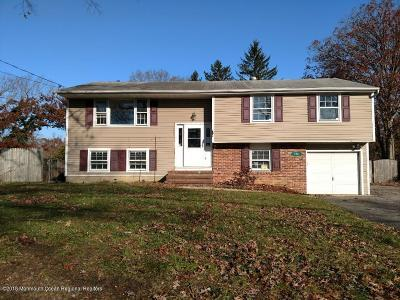 Toms River Single Family Home For Sale: 320 Colonial Drive
