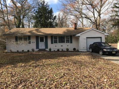 Toms River Single Family Home For Sale: 826 Bartlett Place