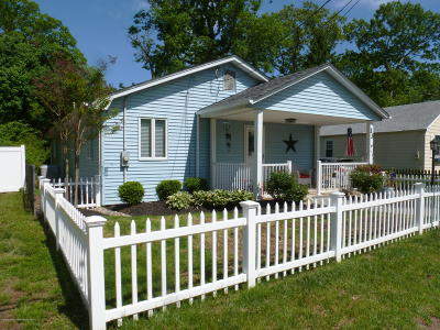 Freehold Single Family Home For Sale: 13 Griffith Road