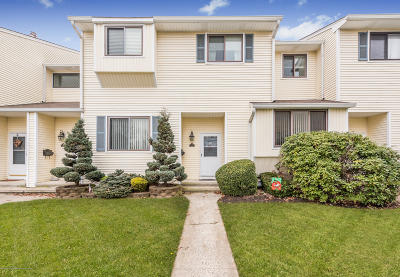 Middletown Condo/Townhouse For Sale: 415 Middlewood Road