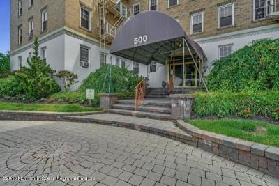 Asbury Park Condo/Townhouse For Sale: 500 Deal Lake Drive #2C