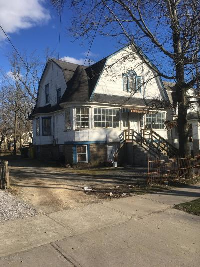 Lakewood Single Family Home For Sale: 23 Clover Street