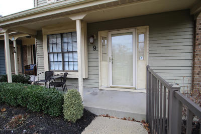 Freehold NJ Condo/Townhouse For Sale: $260,000