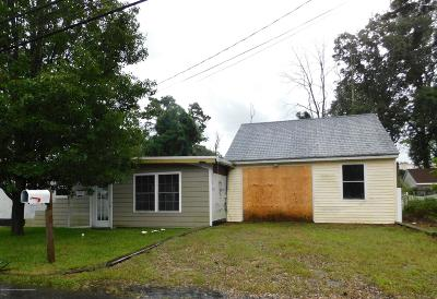 Toms River NJ Single Family Home For Sale: $74,900