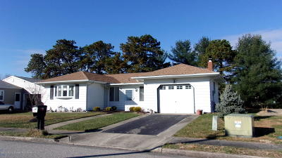 Toms River Single Family Home For Sale: 52 Cabrillo Boulevard