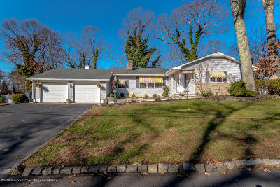 Brick Single Family Home For Sale: 2 Green Hill Drive