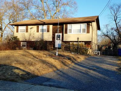 Toms River Single Family Home For Sale: 581 Fountain Drive