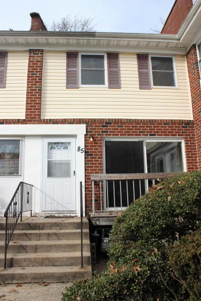 Brick Condo/Townhouse For Sale: 85 Primrose Lane