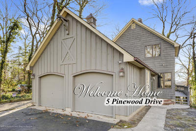 Single Family Home For Sale: 5 Pinewood Drive