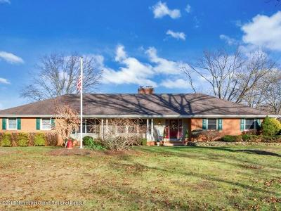 Colts Neck Single Family Home For Sale: 21 Maplecrest Lane