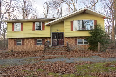 Howell Single Family Home Under Contract: 1 Sunnyside Road