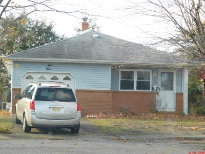 Toms River NJ Single Family Home For Sale: $111,000