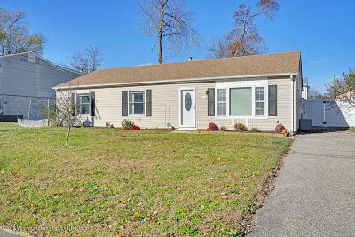 Toms River Single Family Home For Sale: 1236 Bewick Street