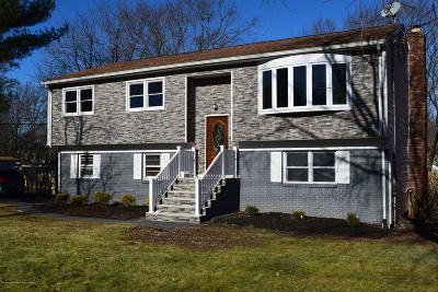 Middletown Single Family Home For Sale: 109 Cherry Tree Farm Road