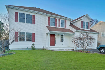 Toms River Single Family Home For Sale: 1121 S Maplecrest Court