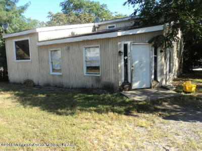 Lakewood Single Family Home For Sale: 236 S Clover Street