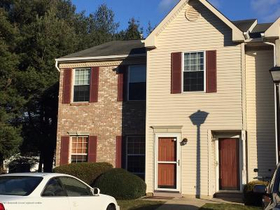 Holmdel NJ Condo/Townhouse For Sale: $238,800