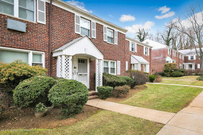 Red Bank Condo/Townhouse For Sale: 88 Manor Drive