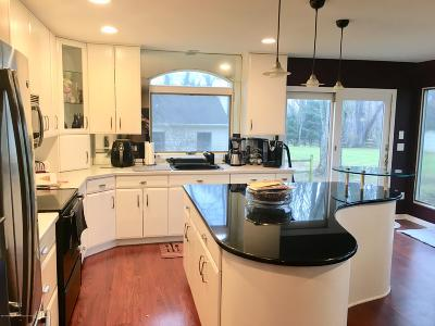 Manalapan Single Family Home For Sale: 16 Valley Road