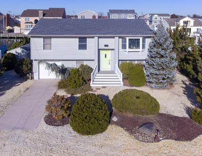 Toms River Single Family Home For Sale: 16 Antiqua Avenue