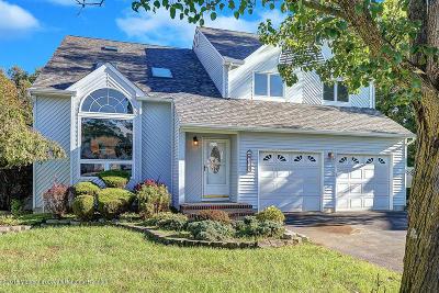 Toms River Single Family Home For Sale: 2063 Nakiska Court