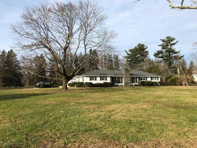 Rumson Single Family Home For Sale: 92 Rumson Road