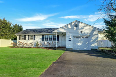Point Pleasant Single Family Home Under Contract: 1518 E Bennett Place