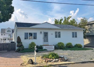 Toms River Single Family Home For Sale: 2512 Matso Drive