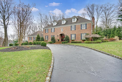 Holmdel Single Family Home Under Contract: 4 Forest Park Court