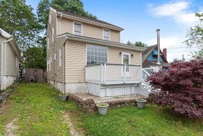 Middletown Single Family Home Under Contract: 130 Chamone Avenue