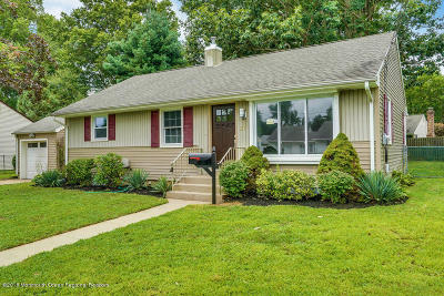 Eatontown NJ Single Family Home Under Contract: $369,000