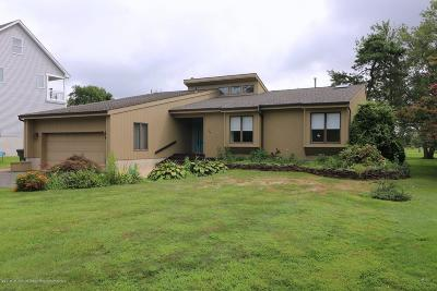 Toms River Single Family Home For Sale: 105 Flag Point Road