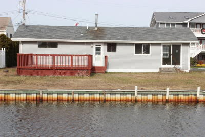 Toms River Single Family Home For Sale: 1815 Grantwood Drive
