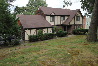Middletown Single Family Home For Sale: 27 Foxwood Run