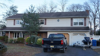 Middletown Single Family Home For Sale: 13 Sanders Drive